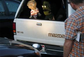 Um Show De Marionetes Para Distrair Os Motoristas Na Hora Do Rush